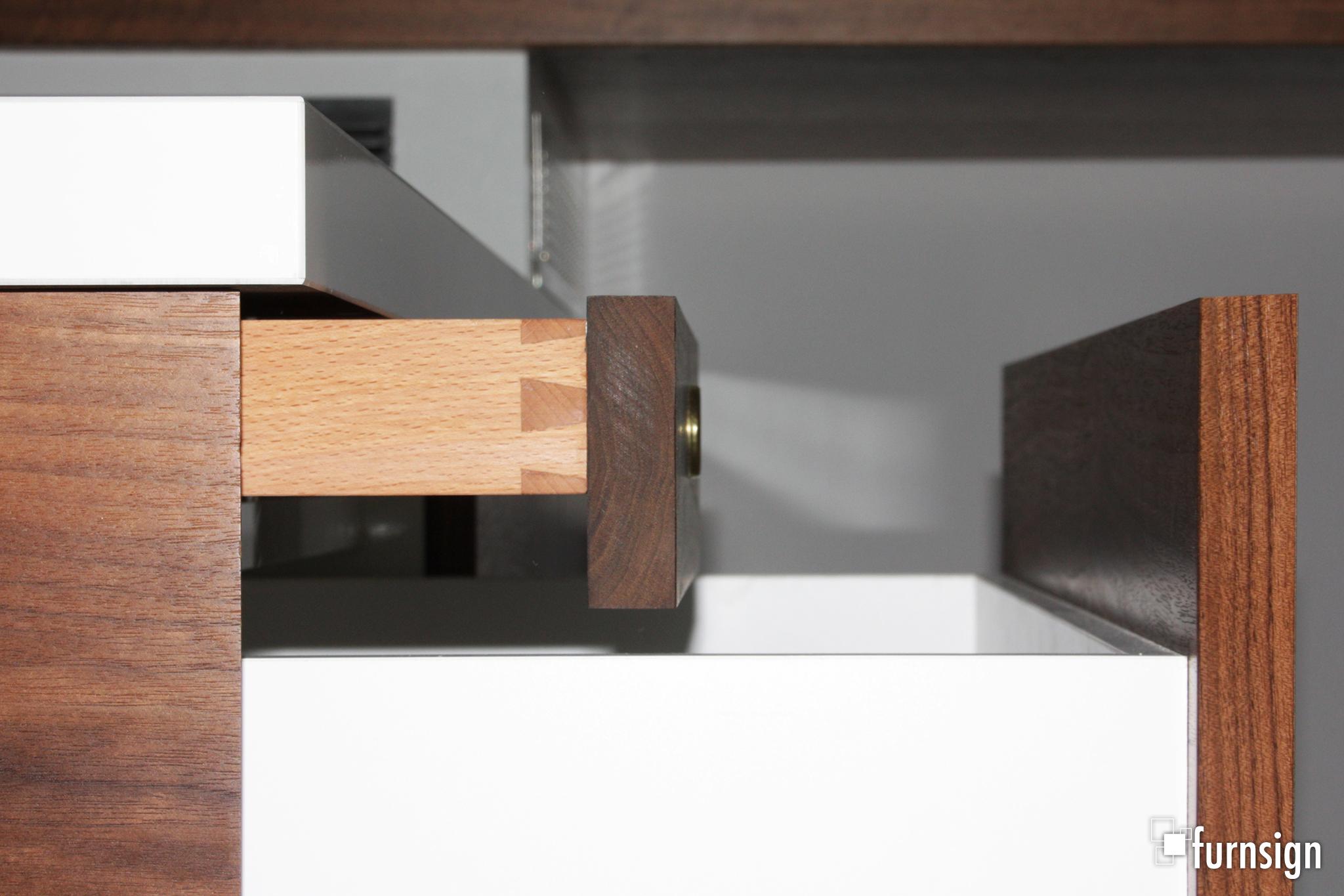 Schreibtisch_in_Nussbaum_7